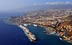 7 Cruceros  Puerto Santa Cruz de Tenerife DA 021211 MPP (3).JPG