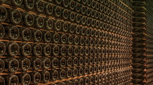 Las exportaciones de vino español se mantienen por encima de los 2.100 millones de euros
