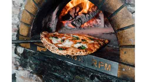 El restaurante Reginella seleccionado como finalista para ser la Mejor Pizza de España
