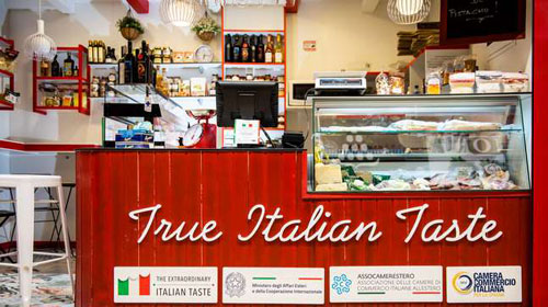 """Más de 40 productos en el puesto """"True Italian Taste"""" en el Mercado de Chamberí"""